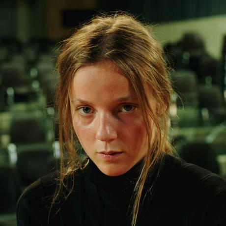 Loane Balthasar em cena do filme 'Sarah interpreta um lobisomen' Foto: Reprodução