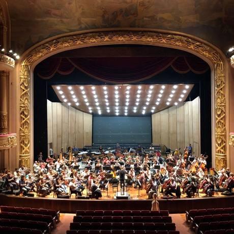 OSTM e OSB ensaiam no Teatro Municipal Foto: Divulgação