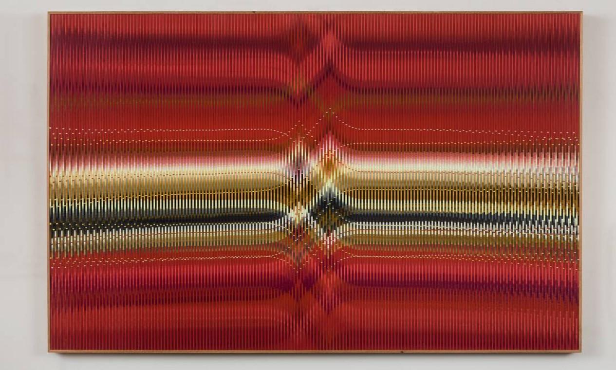 Em exibição, trabalhos recentes com relevos sobre acrílico, madeira e papel cartão, além de um inédito objeto cinético, em grandes dimensões, realizado em 2018. Foto: Pat Kilgore / Divulgação/Pat Kilgore