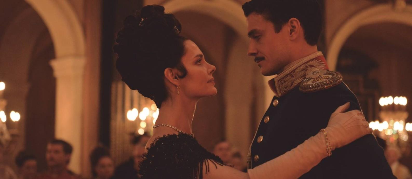 Cena do filme 'Anna Karenina: A história de Vronsky', de Karen Shakhnazarov Foto: Divulgação