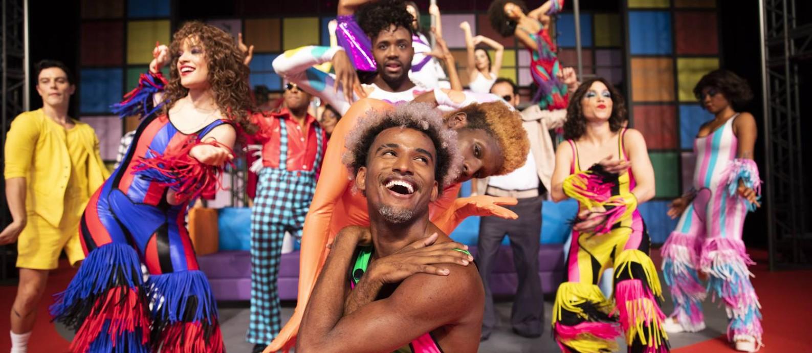 Cena do musical 'O frenético Dancin' Days' Foto: Leo Aversa