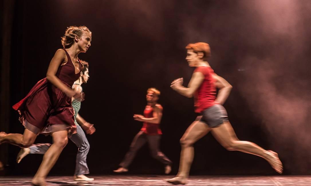 Trecho do espetáculo 'Still Reich', da Focus Cia. de Dança Foto: Fernanda Valois / Divulgação