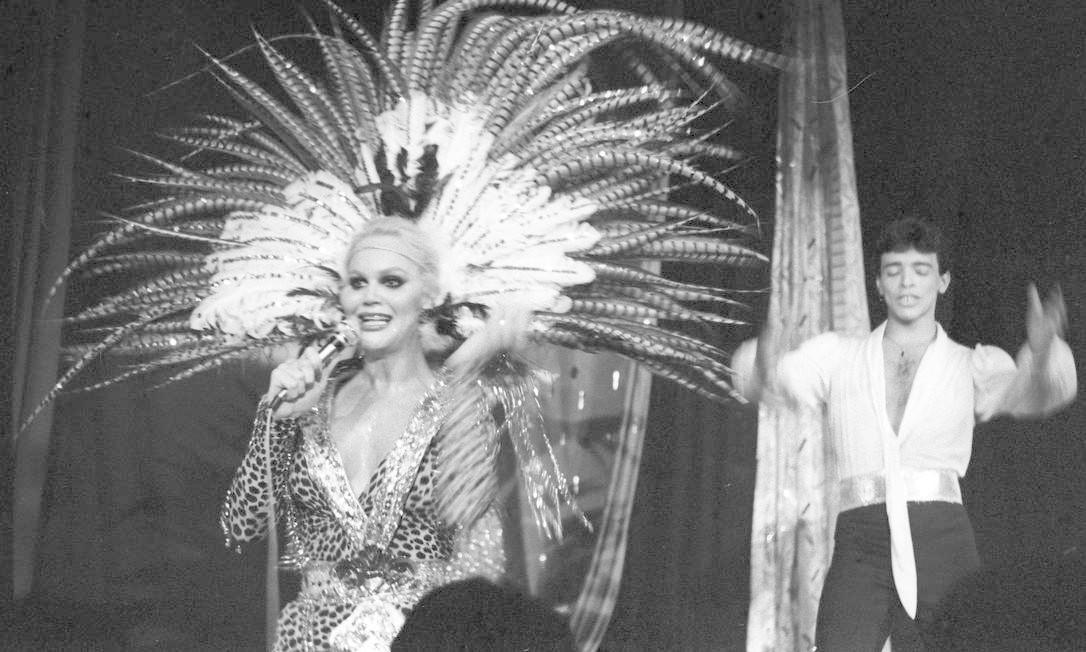"""Jane Di Castro na estreia de """"Loucura gay"""", em 1983 Foto: Arquivo O Globo / Agência O Globo"""