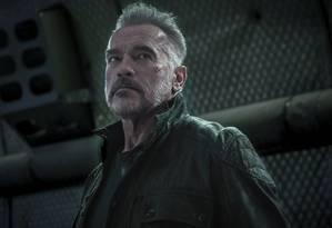Arnold Schwarzenegger em cena de 'O exterminador do futuro: destino sombrio' Foto: Kerry Brown / Divulgação