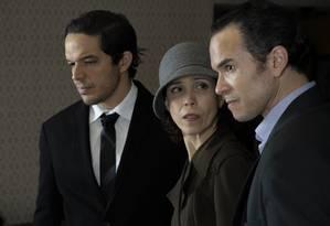 Fifo Benicasa, Nara Monteiro e Ricardo Soares em cena da peça 'Normal', com direção de Luiz Furlanetto Foto: Pedro Murad / Divulgação
