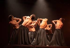 Cena do espetáculo 'Depois', da Studio3 Cia de Dança Foto: Renan Livi / Divulgação