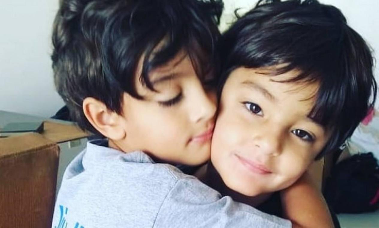 Mikael e David, os filhos de Luciano Szafir e Luhanna Melloni Foto: Reprodução / Instagram