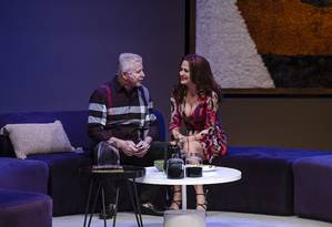 Miguel Falabella e Zezé Polessa, em cena de 'A mentira' Foto: Caio Gallucci / Divulgação