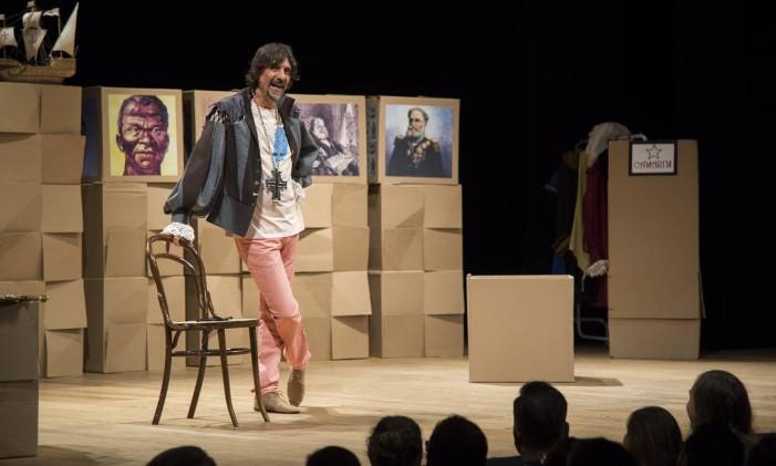 Cena da peça 'Não vai cair no Enem! — Uma peça' Foto: Divulgação