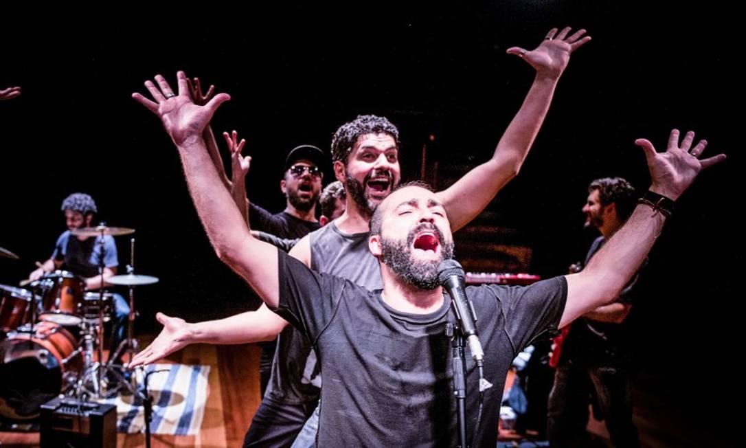 Cena da peça 'Cabeça (um documentário cênico)' Foto: Ricardo Brajterman / Divulgação
