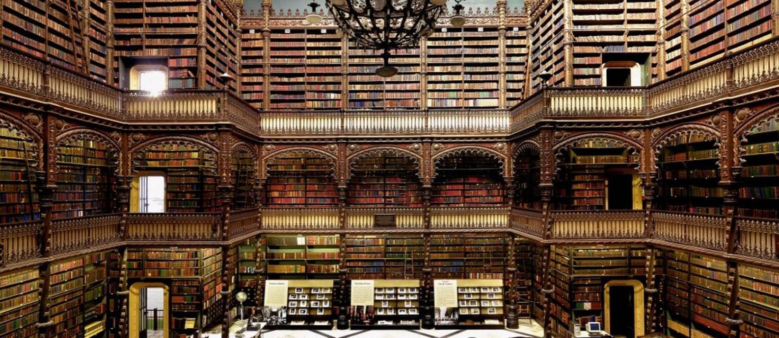 O Real Gabinete Português de Leitura, no Centro do Rio Foto: Massimo Listri / Divulgação