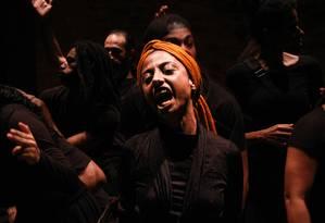 Cena da peça 'Esperança na revolta' Foto: Natália Perdomo / Divulgação
