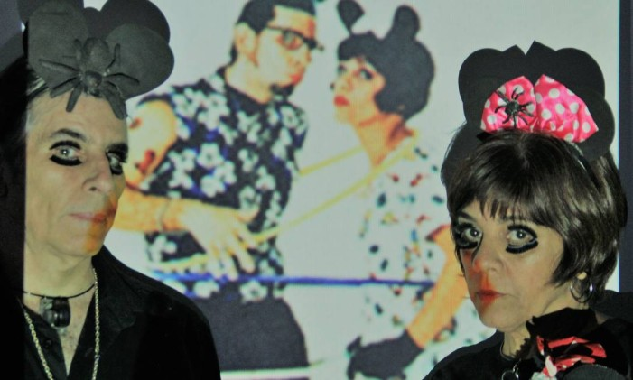 Alexandre Dacosta e Lucília de Assis, em cena da peça 'Os únicos' Foto: Tomás de Assis Dacosta / Divulgação
