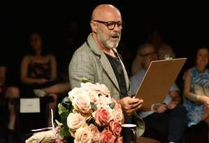 Eduardo Wotzik, em cena da peça 'Hannah Arendt — Uma aula magna' Foto: Carolina Spork / Divulgação