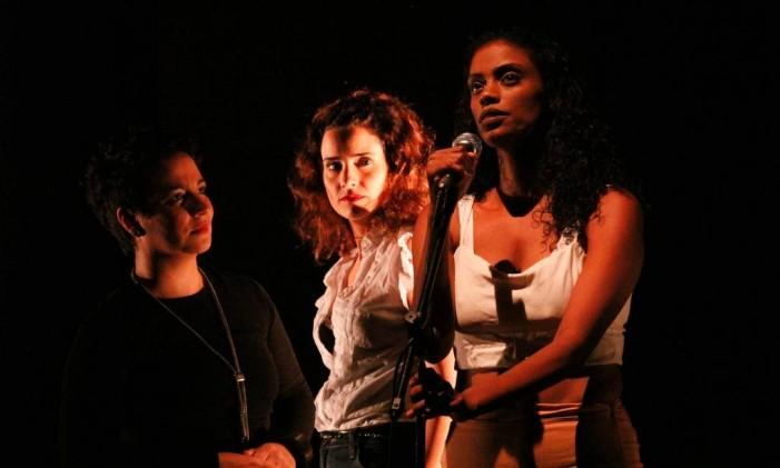Cena da peça 'Vale night' Foto: Luciana Mesquita / Divulgação