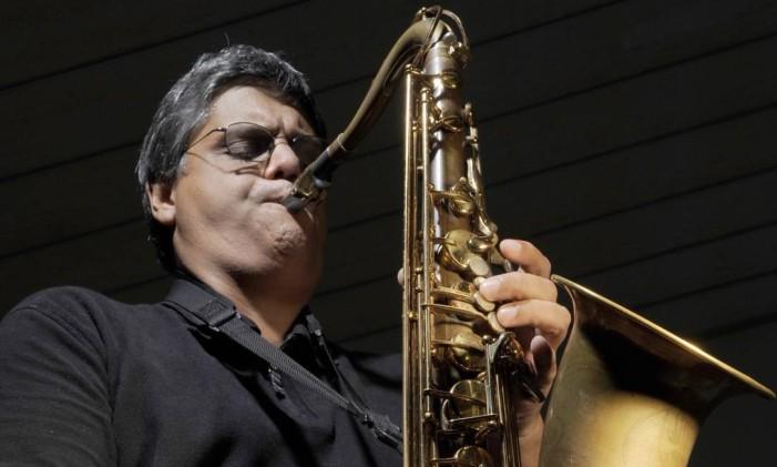 O saxofonista AC, do grupo AC Jazz Foto: Divulgação