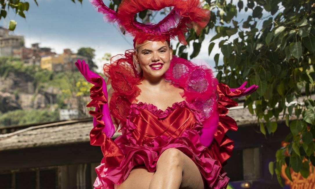 A cantora Duda Beat, no galpão do HUB, onde fará show de carnaval Foto: Ana Branco / Agência O Globo