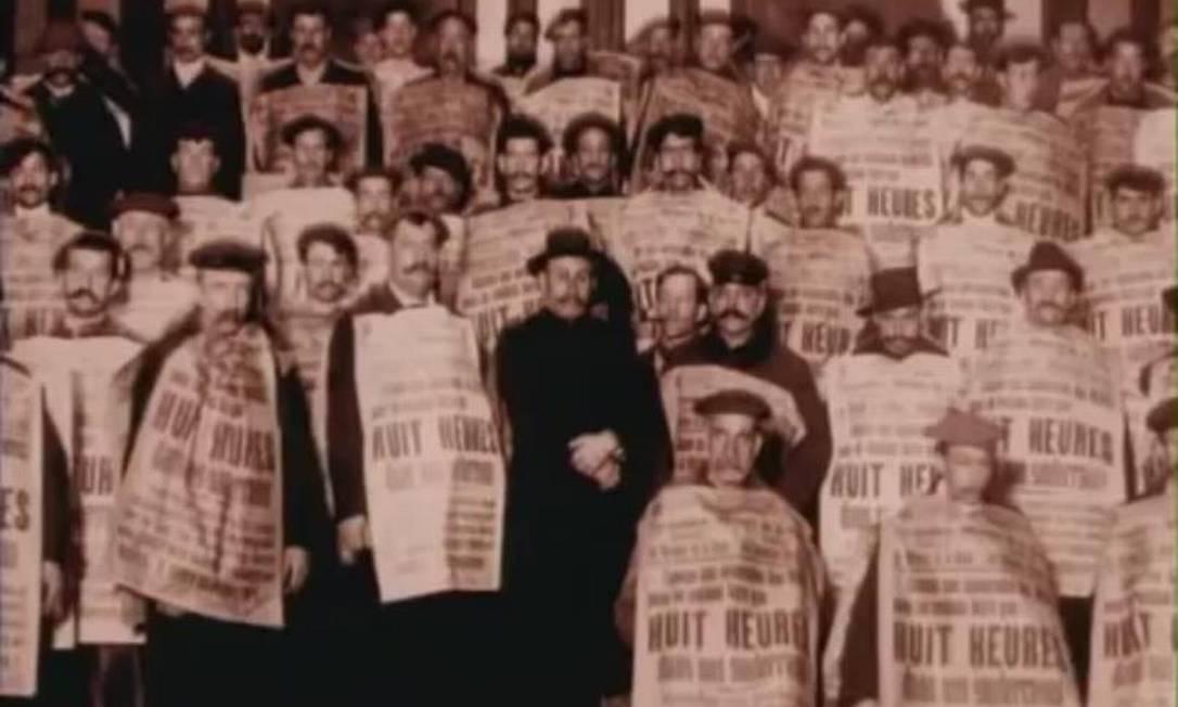 Com direção de e Marcelo Masagão, o longa 'Nós que aqui estamos, por vós esperamos' (Brasil, 1998) foi um dos primeiros premiados na mostra Foto: Divulgação