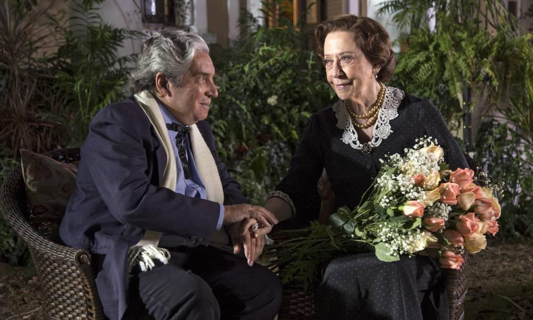 Domingos e Fernanda Montenegro em cena de 'Infância' (2014): mostra reúne clássicos e títulos recentes Foto: Desirée do Valle
