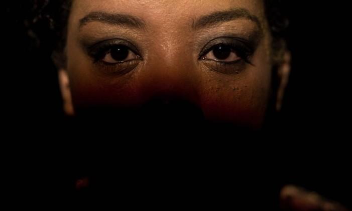 Grace Passô, em cena do filme 'Vaga carne' Foto: Divulgação
