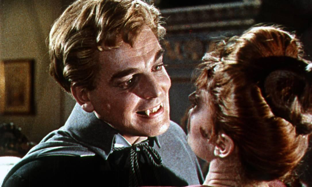 Cena do filme 'As noivas de Drácula' ('The Brides of Dracula', no original, de 1960: obra do Estúdio Hammer Foto: Divulgação