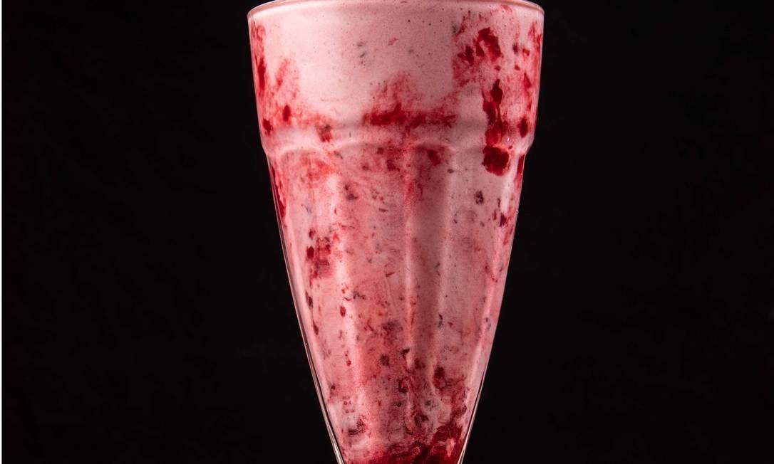 Milk-shake de frutas vermelhas da rede Bob Beef: consistência cremosa Foto: Tomás Rangel / Divulgação