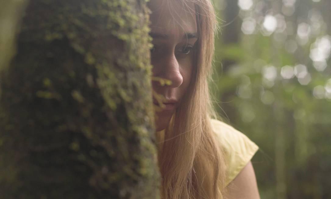 A atriz Alessandra Negrini em cena da peça-filme 'A árvore' Foto: Divulgação