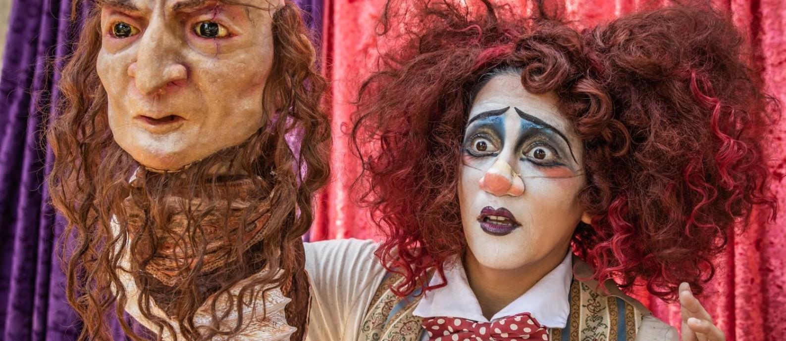 A atriz Vanessa Dias em cenna do espetáculo infantojuvenil 'Circo de pulgas' Foto: Renato Mangolin / Divulgação