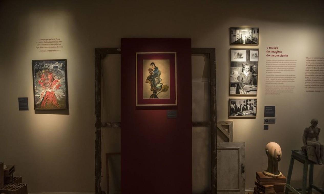 Exposição sobre a vida e o trabalho de Nilse Silveira no Centro Cultural do Banco do Brasil: na foto, obras de artistas variados Foto: Guito Moreto / Agência O Globo