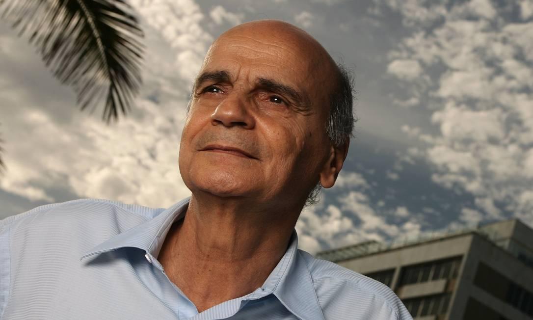 06.11.2006 - MÔNICA IMBUZEIRO - RG - O médico Drauzio Varella. Foto: Mônica Imbuzeiro