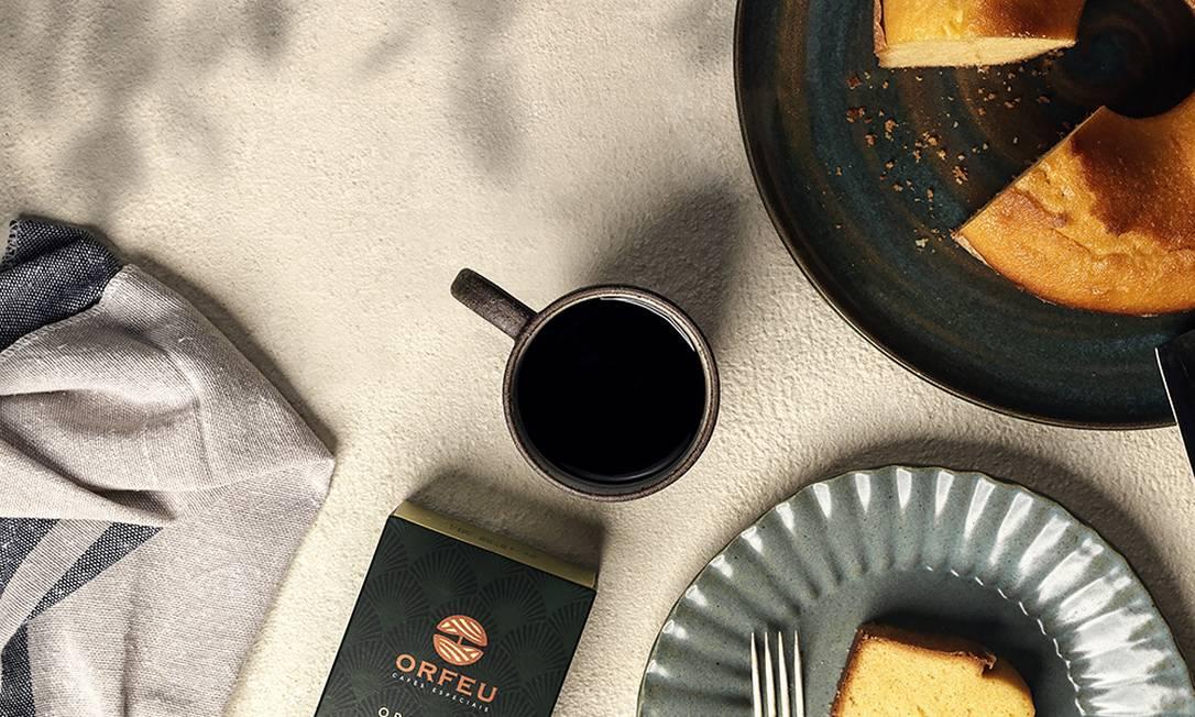 A tradicional pausa para o cafezinho da tarde com bolo pode ficar ainda mais gostosa com noções básicas de harmonização Foto: Dersu / Divulgação